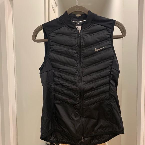 f19ff3521af6 Nike Women s Running Vest